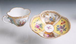 Teetasse mit Untertasse aus Porzellan von Augustus Rex (blaue Unterbodenmarke, wohl