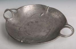 Henkelschale aus Zinn (Kayserzinn, Unterbodenmarke, Modellnr. 4611, wohl 19./20.