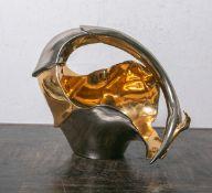 """Asymmetrisch gestaltete Henkelschale von """"Galos"""" (Portugal), Platin- u. Goldglasur,"""