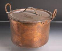Kochtopf mit Deckel aus Kupfer (wohl Ende 18./Anfang 19. Jahrhundert), seitlich mit