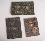 3 Bronzeplatten, davon 1x Darstellung einer Frau m. Schafen (wohl Jugendstil, um 1900),