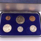 A 1980 Australian cased mint coin set.