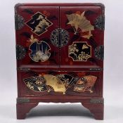 A contemporary Chinese jewelry box