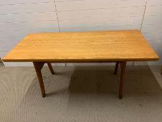 A vintage pine kitchen table with spear feet (H72cm W150cm D70cm)