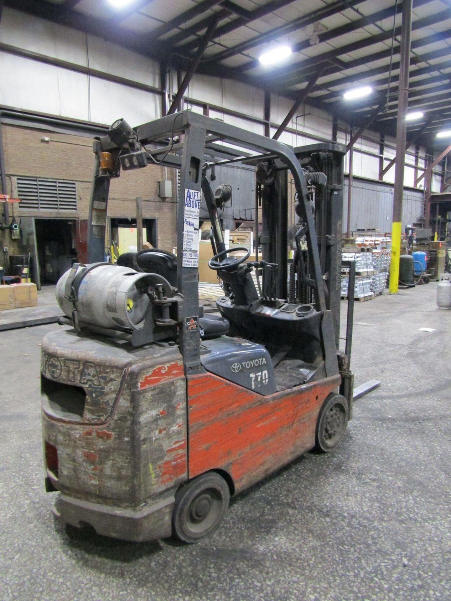 Toyota 2,200 lb. Cap. Model 8FGCSU20 LP Fork Lift Truck, S/N: 13770; with 3-Stage Mast, Side - Image 2 of 11