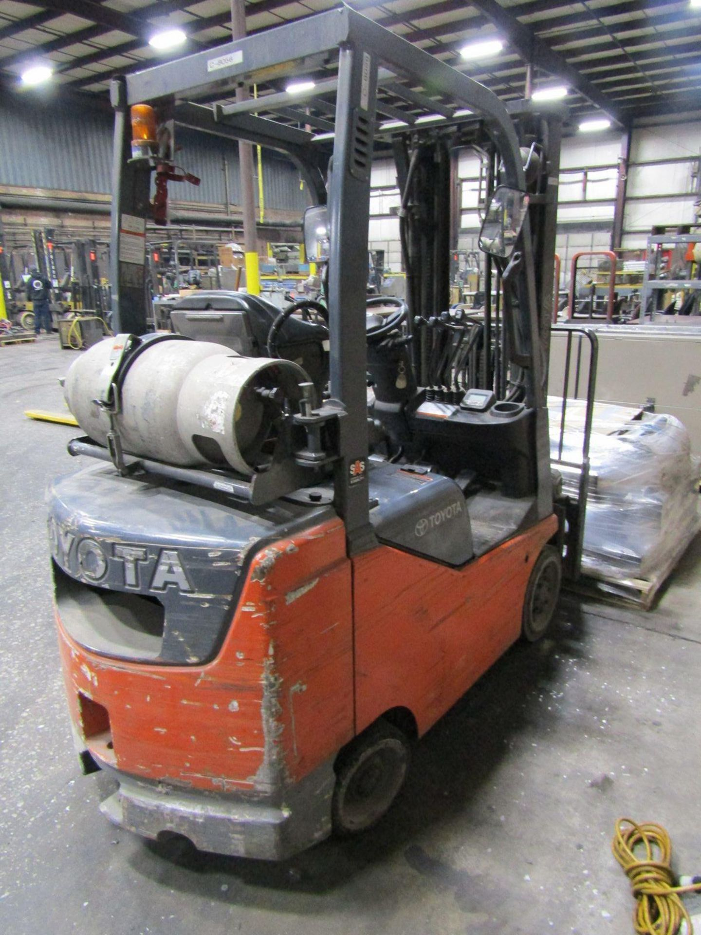 Toyota 5,000 lb. Cap. (approx.) Model 8FGCSU20 LP Fork Lift Truck, S/N: 20712; with 3-Stage Mast, - Image 3 of 8