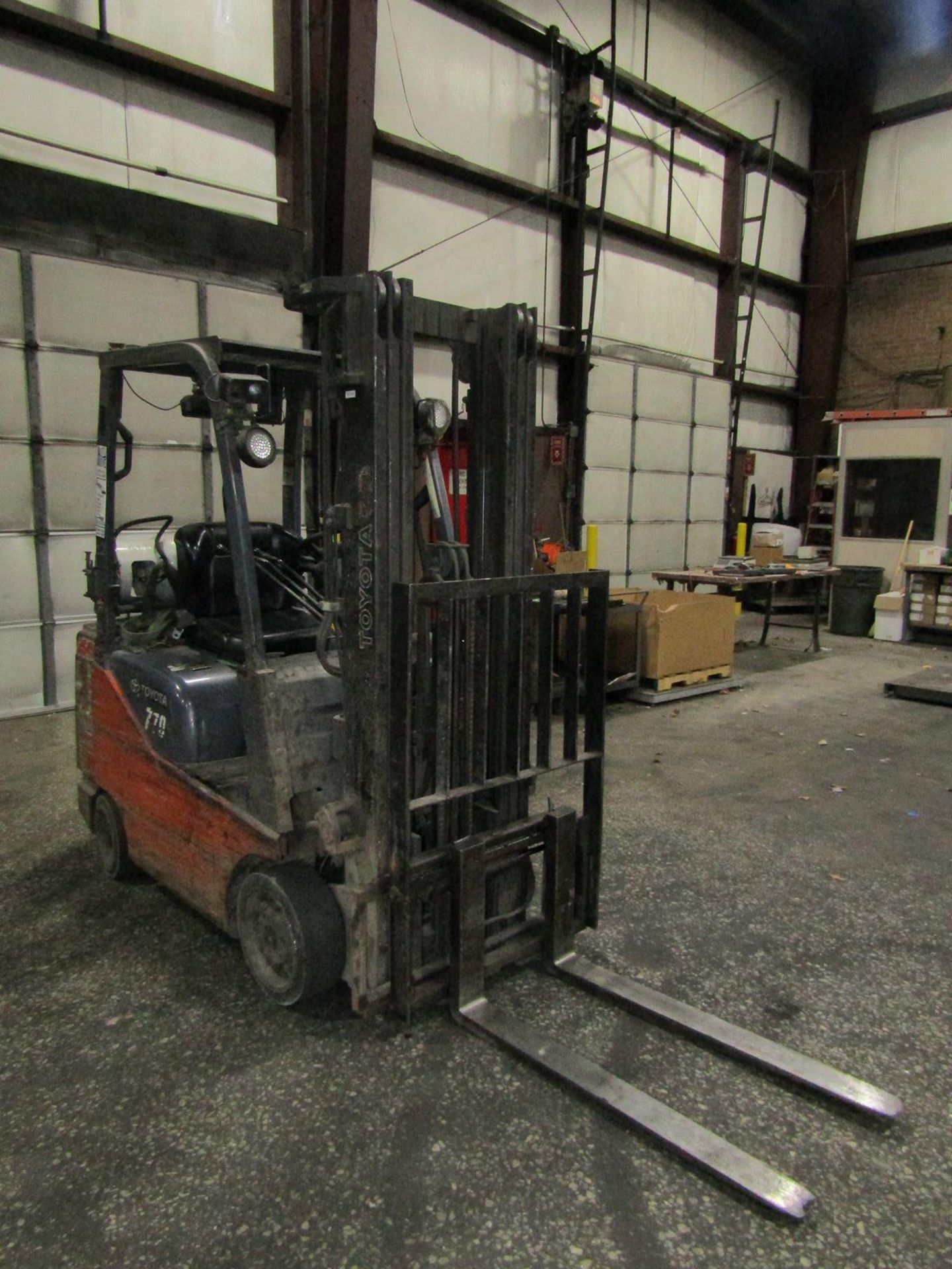 Toyota 2,200 lb. Cap. Model 8FGCSU20 LP Fork Lift Truck, S/N: 13770; with 3-Stage Mast, Side - Image 3 of 11