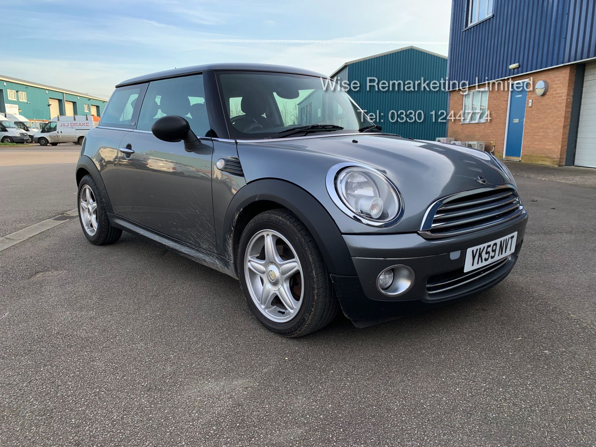 Lot 37 - (RESERVE MET) Mini One Graphite 1.4 Petrol - 2010 Model - Service History - 6 Speed - Air Con -