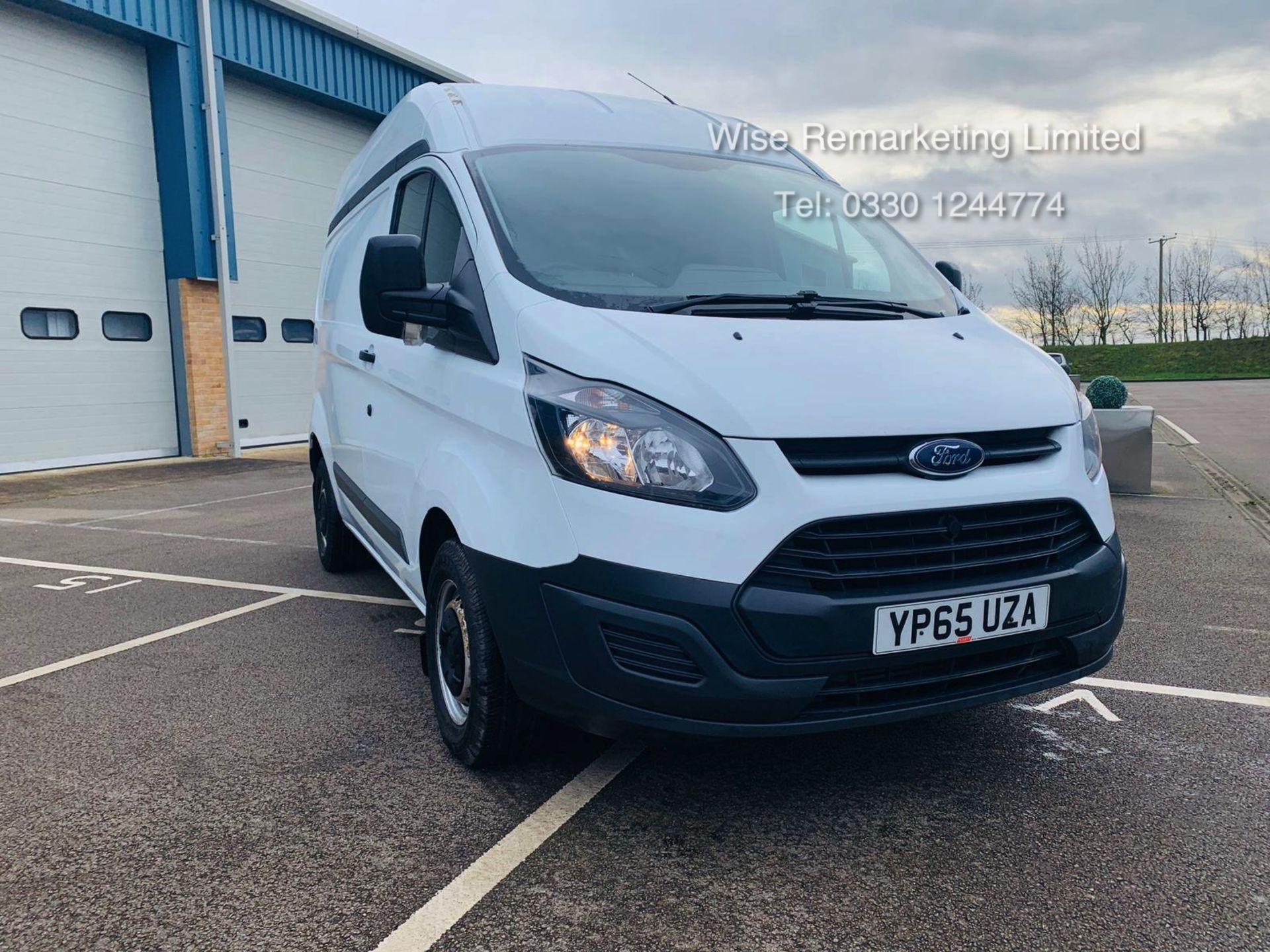 Lot 4 - Ford Transit Custom 2.2 TDCI 290 **HIGH ROOF** - 2016 Model - AIR CON- 1 OWNER- FSH- RARE VAN!!