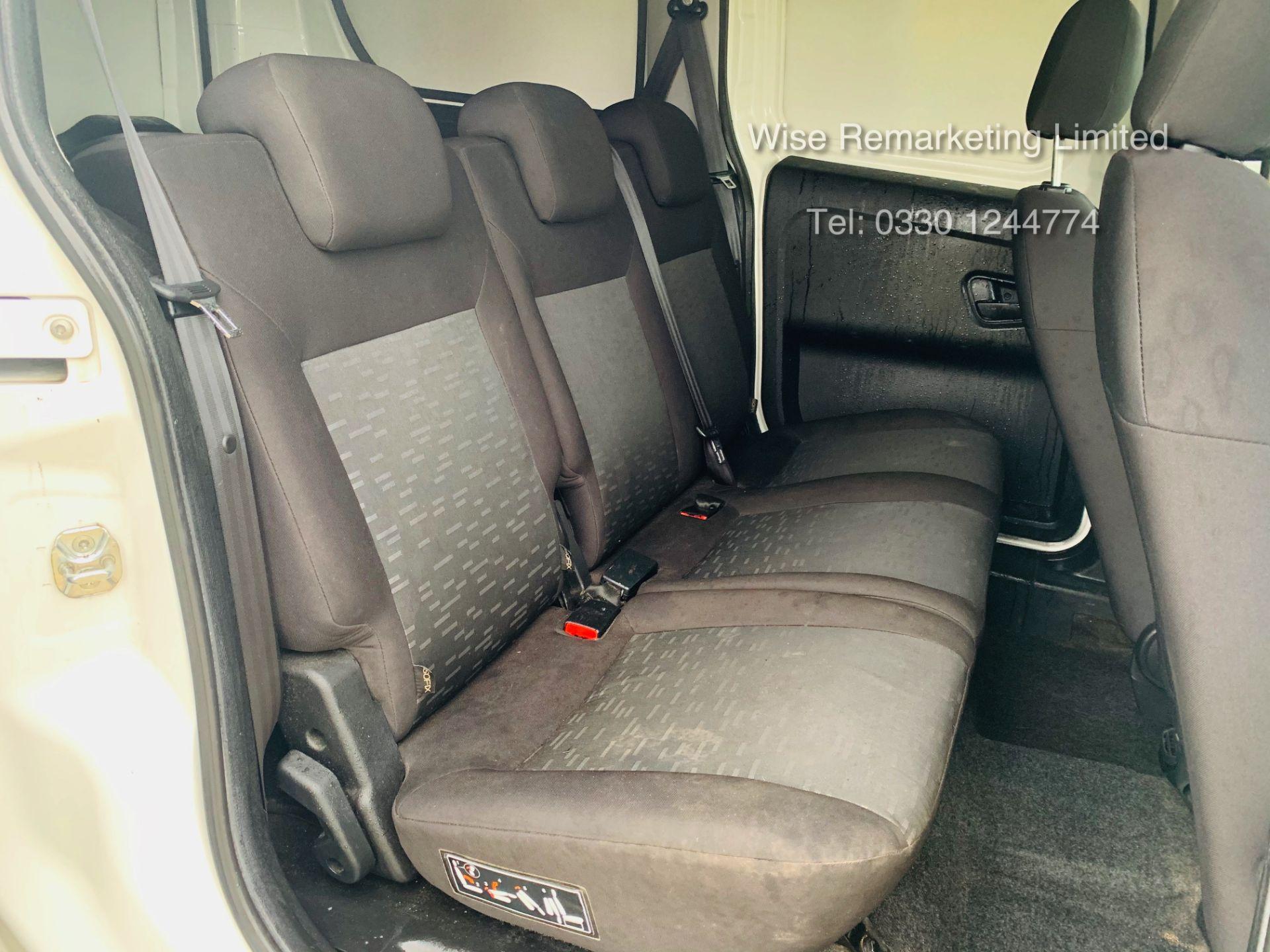 Lot 11a - (RESERVE MET)Vauxhall Combo 1.6 CDTI Eco LWB Maxi 6 Speed 5 Seater Combi/Dualliner Van - 2014 14 Reg