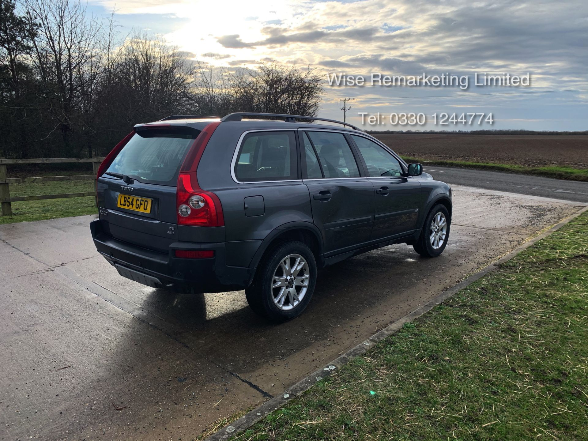 Lot 46 - Volvo XC90 D5 2.4 Special Equipment Auto - 2005 Model - 7 Seater - Full Leather -