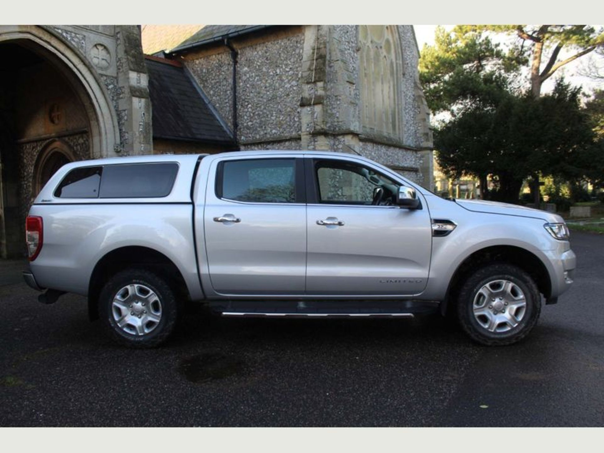 Lot 2 - Ford Ranger 2.2 TDCI XLT Edition Double Cab - 2018 Model - 1 Owner From New - Service History - 4x4