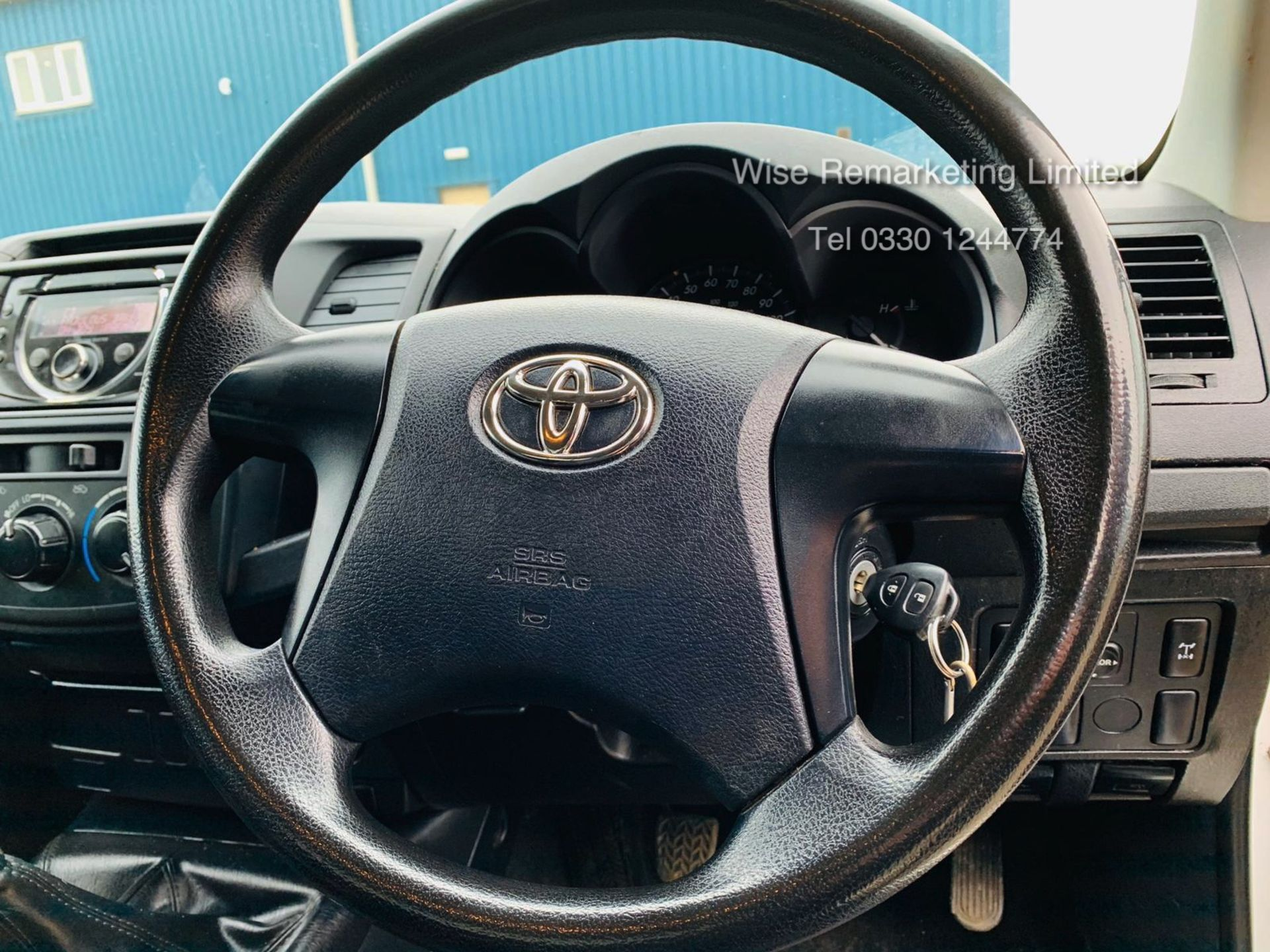 Lot 10a - Reserve Met Toyota Hilux Active 2.5 D-4D 4X4 - 2014 14 Reg - Air Con - Tow Pack - SAVE 20% NO VAT