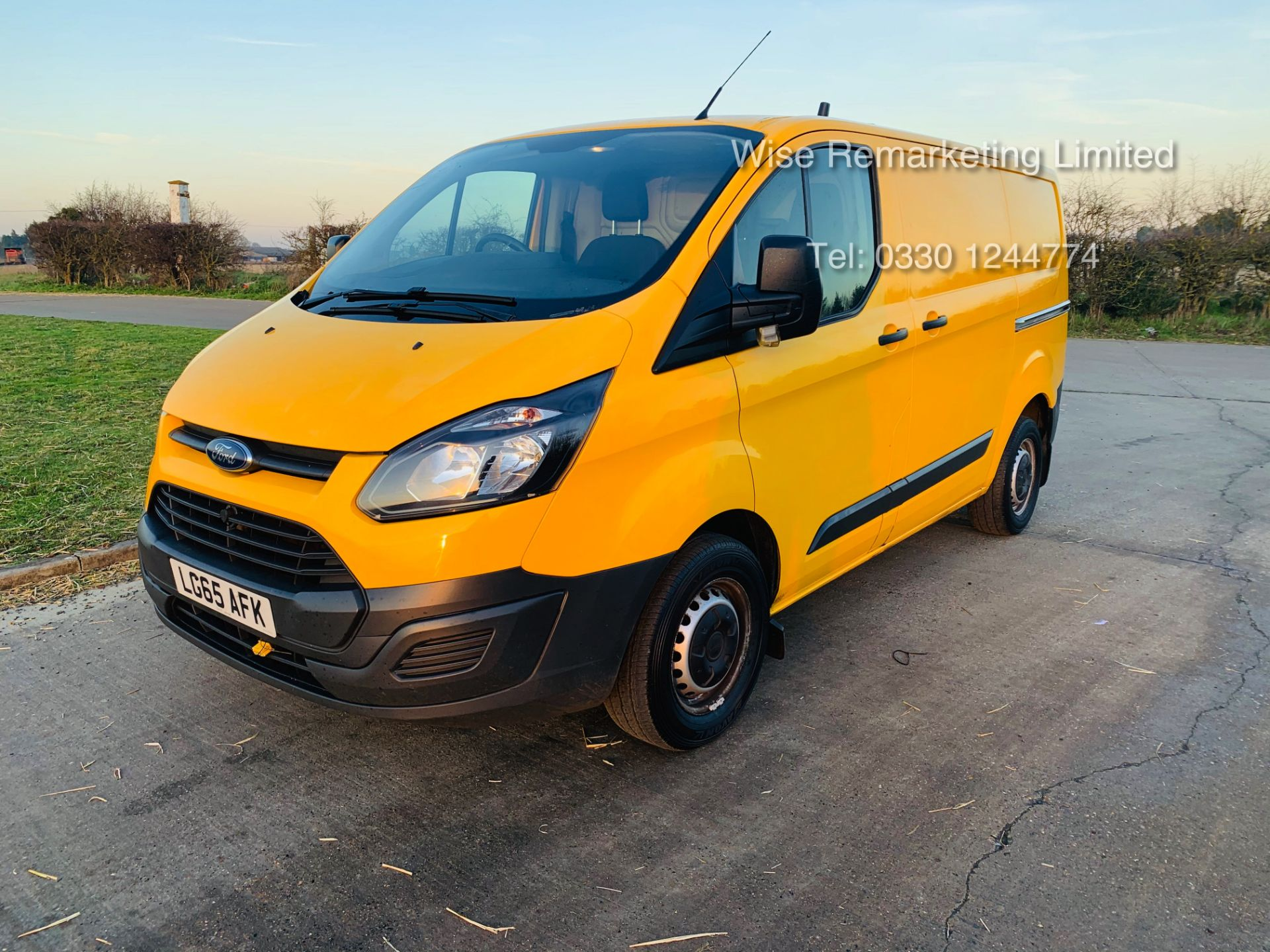 Lot 12a - Ford Transit Custom 2.2 TDCI 310 Eco-Tech - 2016 Model - 1 Keeper From New - Air Con - Ex AA Van
