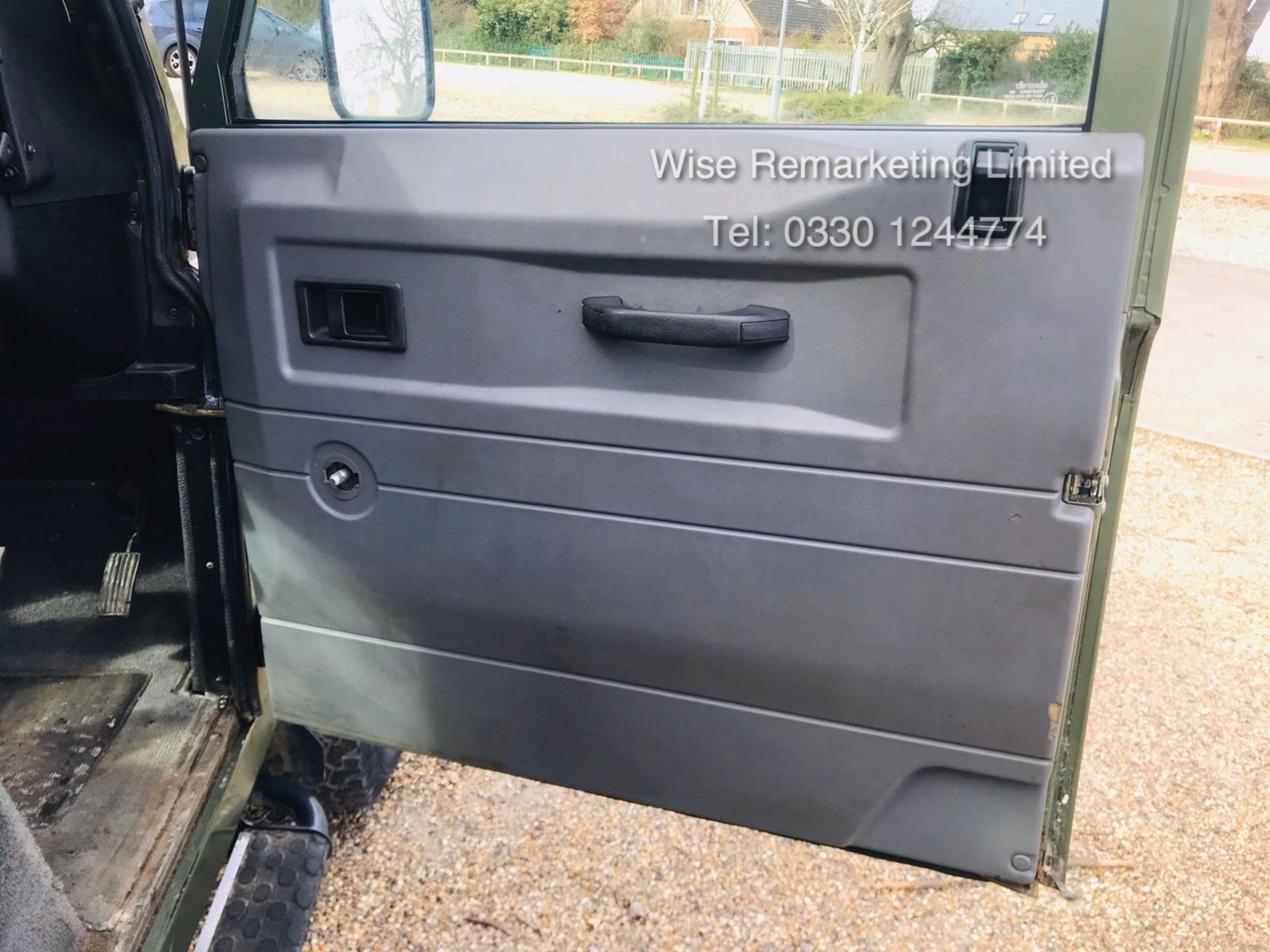 Lot 21 - Land Rover Defender 90 County 2.5 TD5 - 2000 Year W Reg - 7 Seater - RARE - SAVE 20% NO VAT