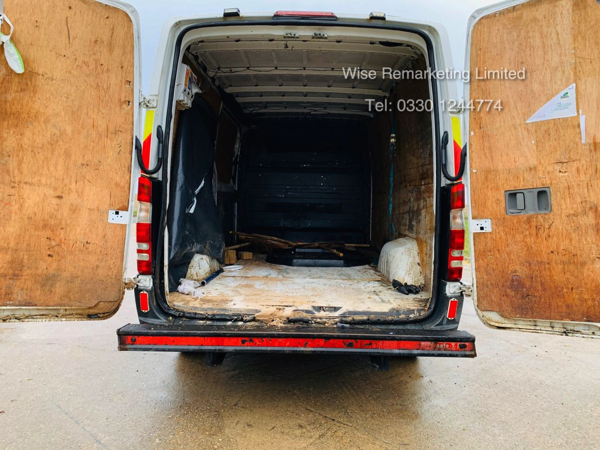 Lot 33 - Reserve Met Mercedes Sprinter 313 CDI 2.1 TD *Automatic Triptronic Gearbox* - 2011 Model - Ply Lined