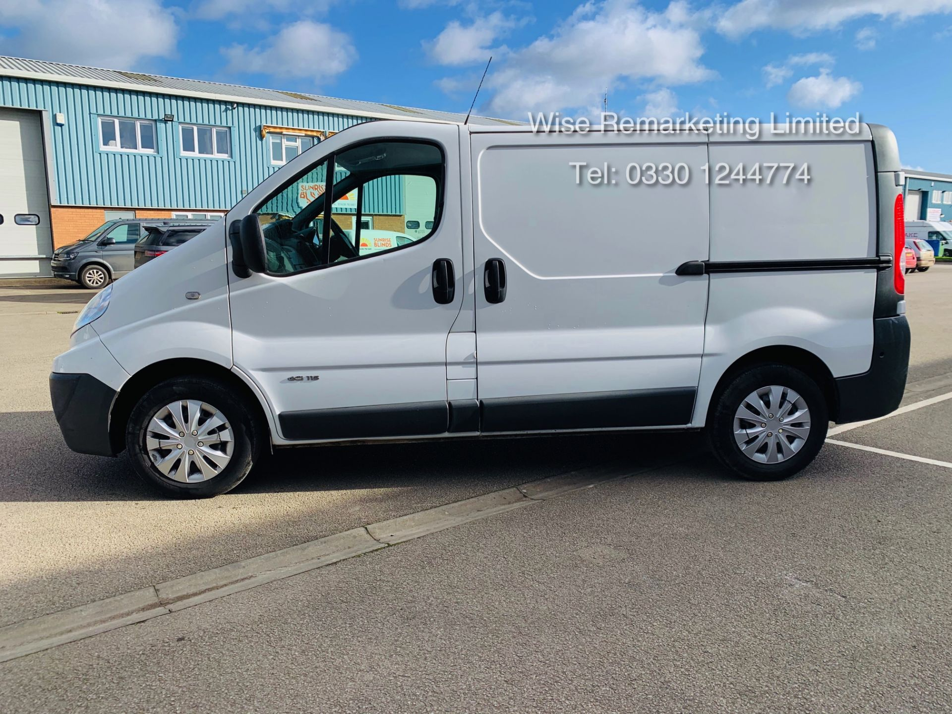Lot 11 - Renault Trafic 2.0 DCI (115 BHP) - 6 Speed - 2014 Reg - Ply Lined -