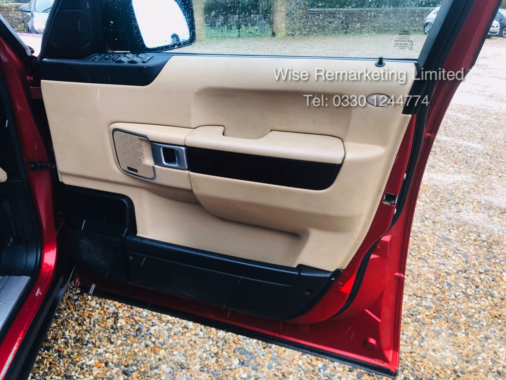 Range Rover Vogue 3.6 TDV8 HSE Auto - 2010 Model - Cream Leather - Service History - - Image 24 of 28