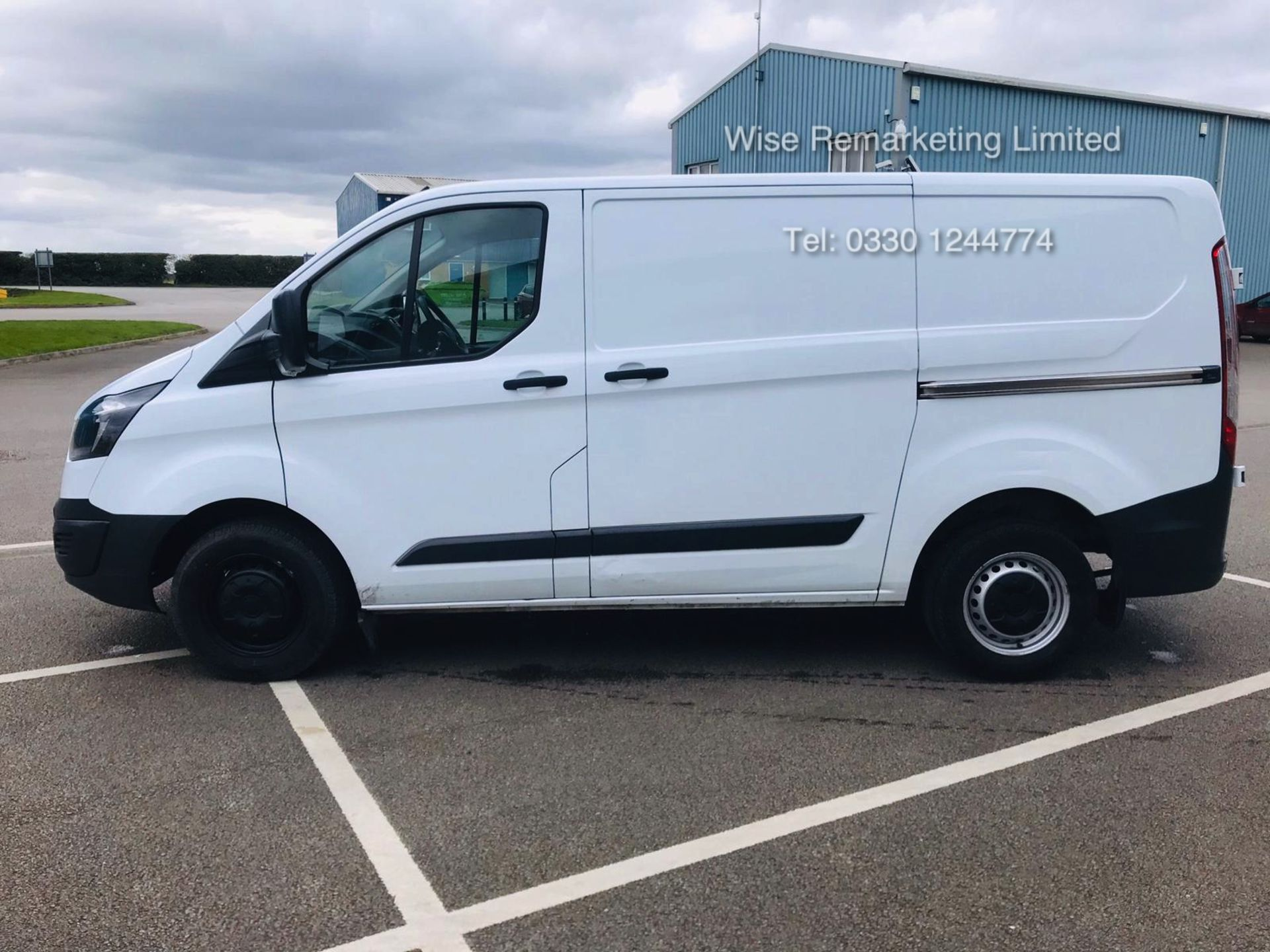 Lot 5 - Ford Transit Custom 270 2.2 TDCI Eco-Tech - 2016 Model - 1 Keeper From New