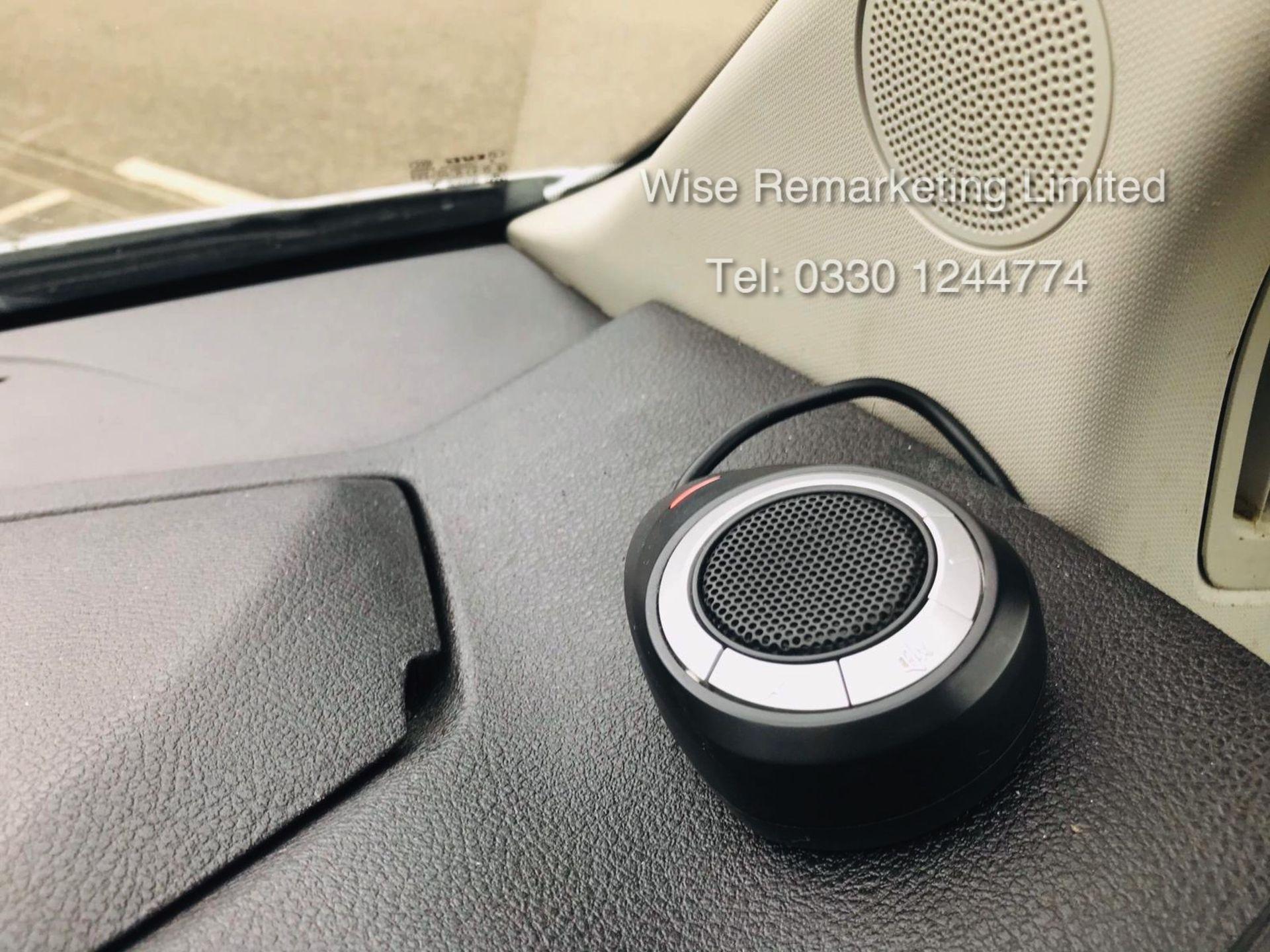 Lot 23 - Ford Transit 350 2.2 TDCI Fridge/Freezer Overnight/Standby Van (-21) - 2016 Reg - Sat Nav -