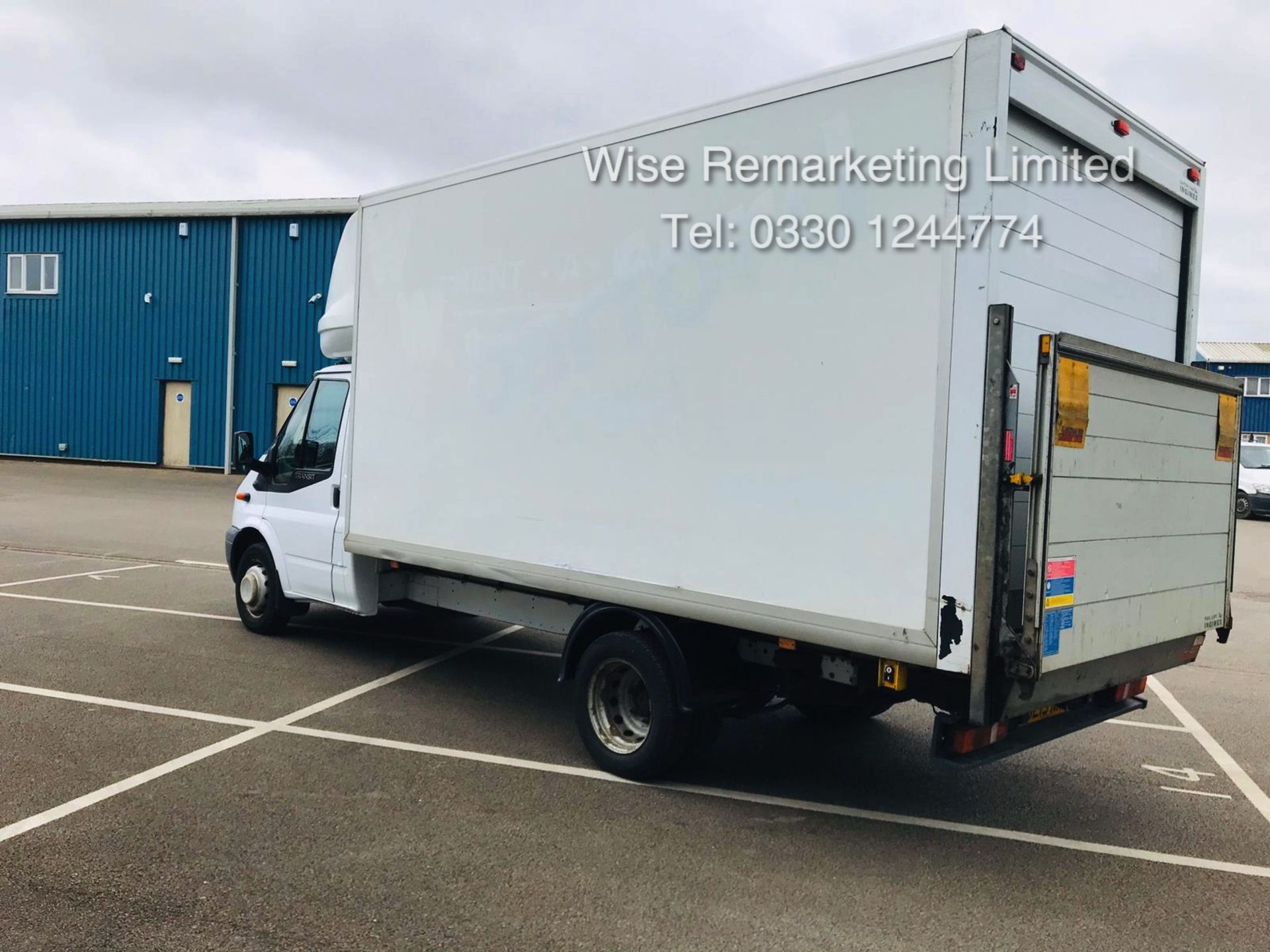 Lot 15 - Ford Transit T350 2.2 TDCI Luton Van - 6 Speed - Tail Lift - 2013 13 Reg - SAVE 20% NO VAT