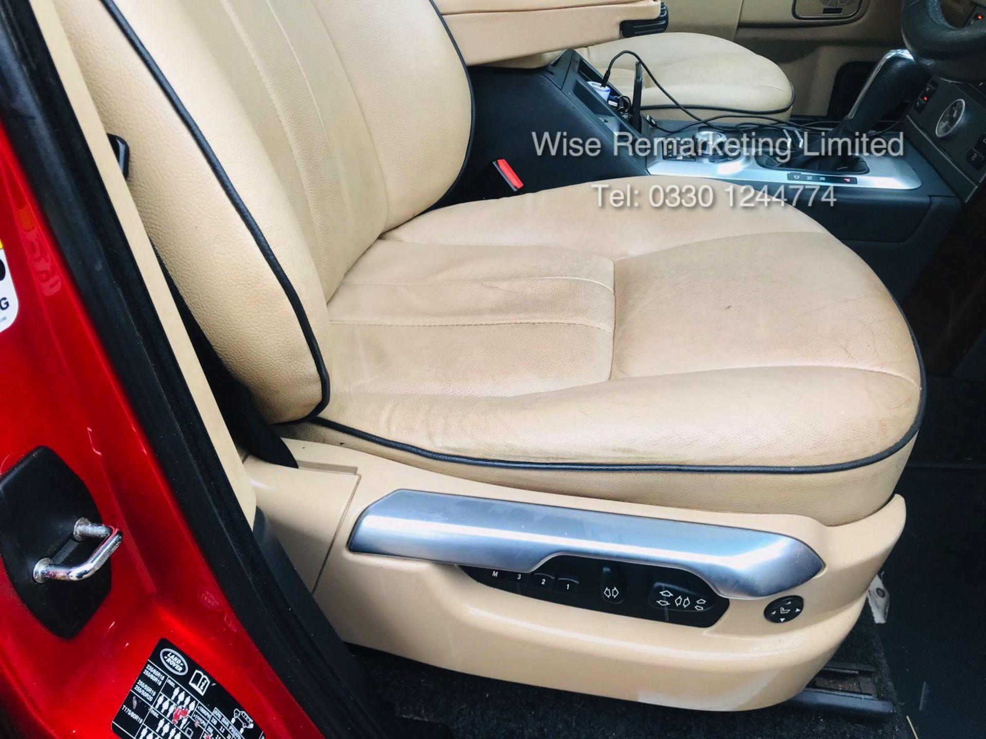 Lot 18 - Range Rover Vogue 3.6 TDV8 HSE Auto - 2010 Model - Cream Leather - Service History -