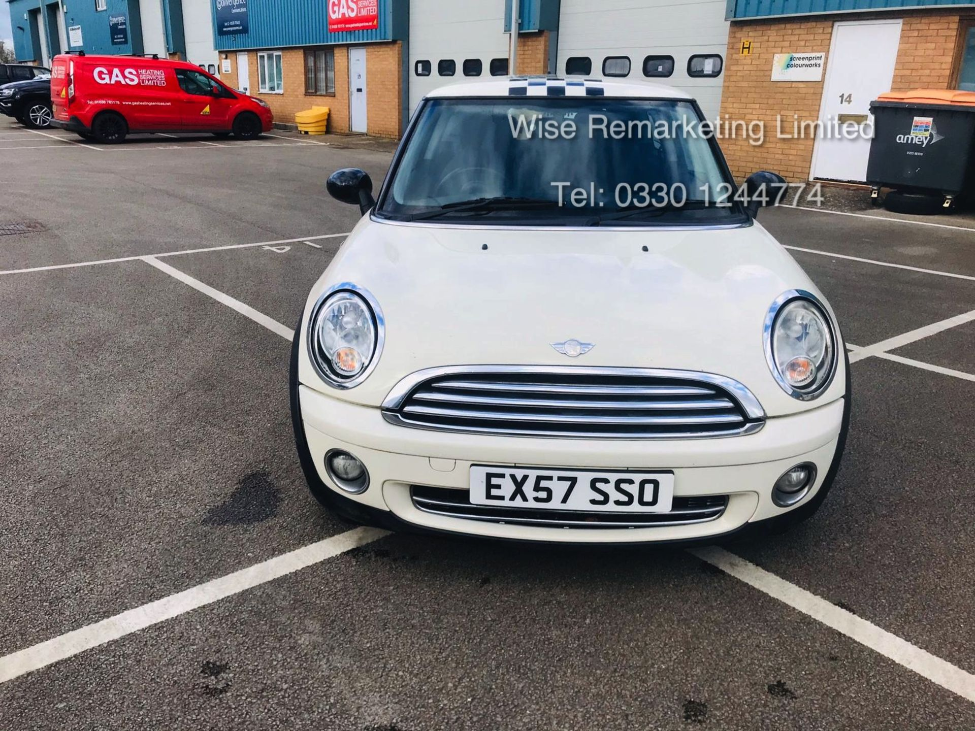 Lot 27 - Mini Cooper 1.4l One - 2008 Model - Service History - Air Con - White