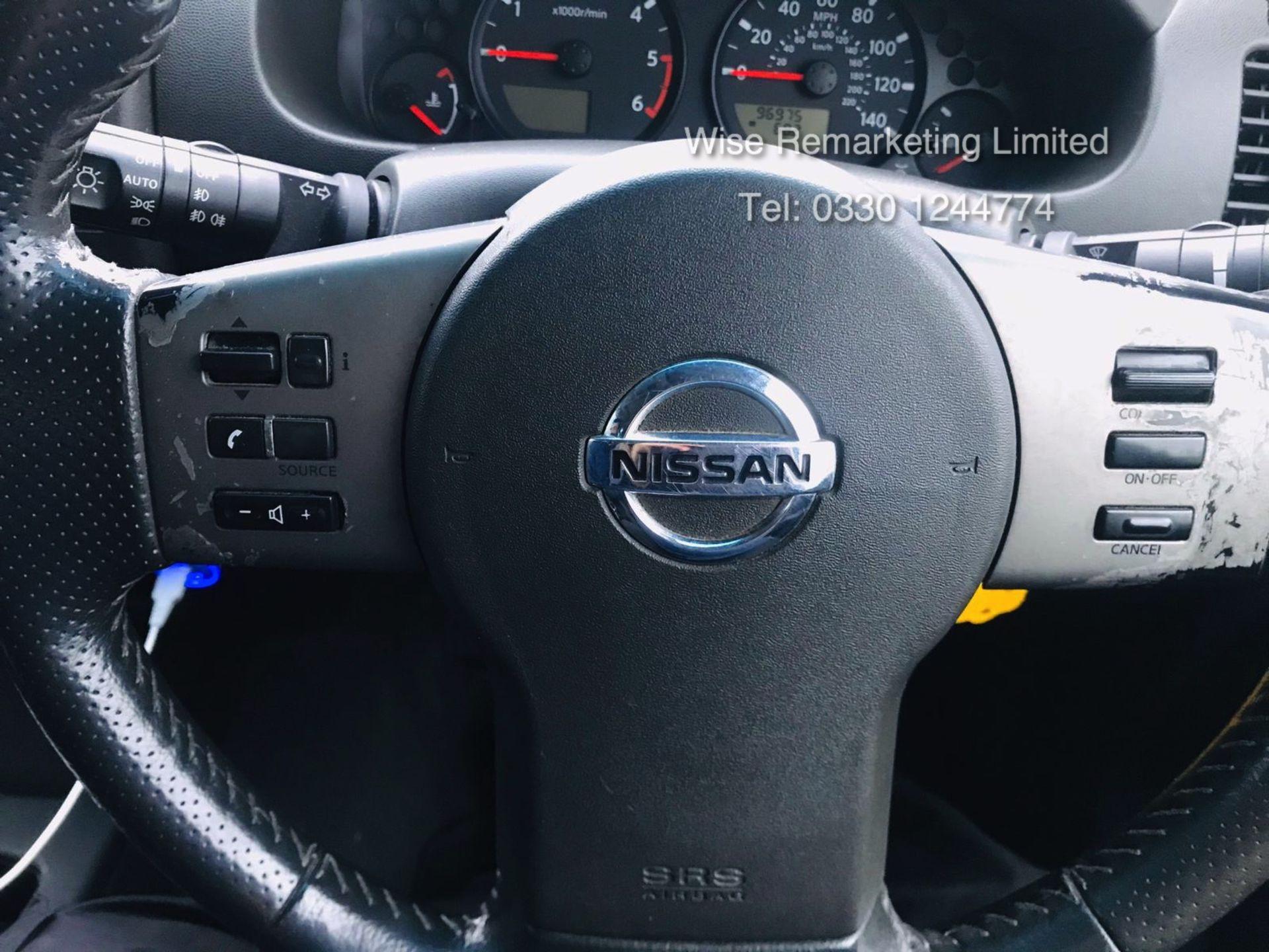 Lot 22 - Nissan Navara Die Hard Special Edition 4.0 2.5DCI Auto - 2008 Model - Service History - Air Con