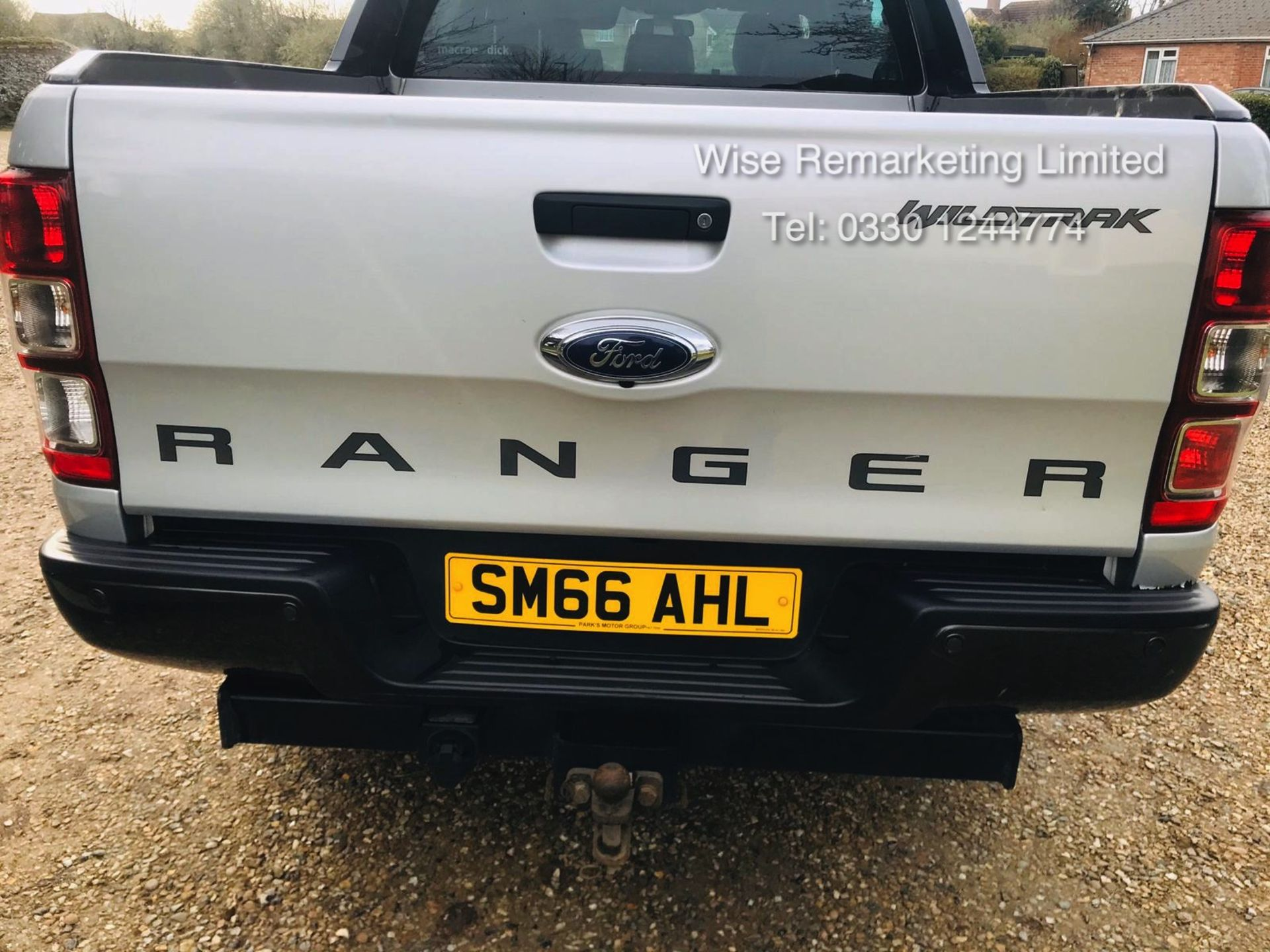 Ford Ranger 3.2 TDCI WILDTRAK - Auto - 2017 Model - 1 Former Keeper - 4x4 - TOP OF THE RANGE - Image 5 of 16