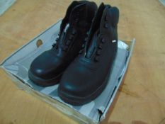 Pair of Unissued Jallatte Safety Boots Size 10 1/2
