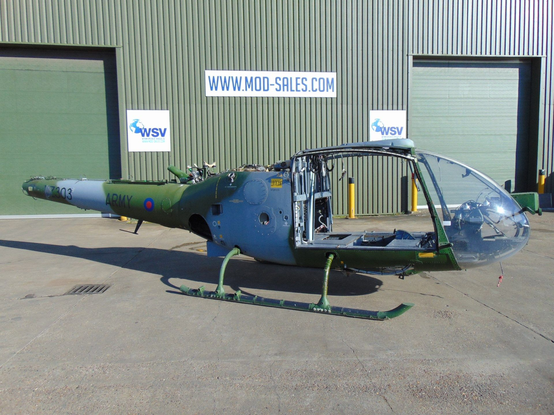 Lot 268 - Gazelle AH 1 Turbine Helicopter Airframe (TAIL NUMBER XZ303)
