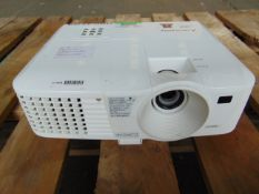 Mitsubishi EX240U DLP Projector
