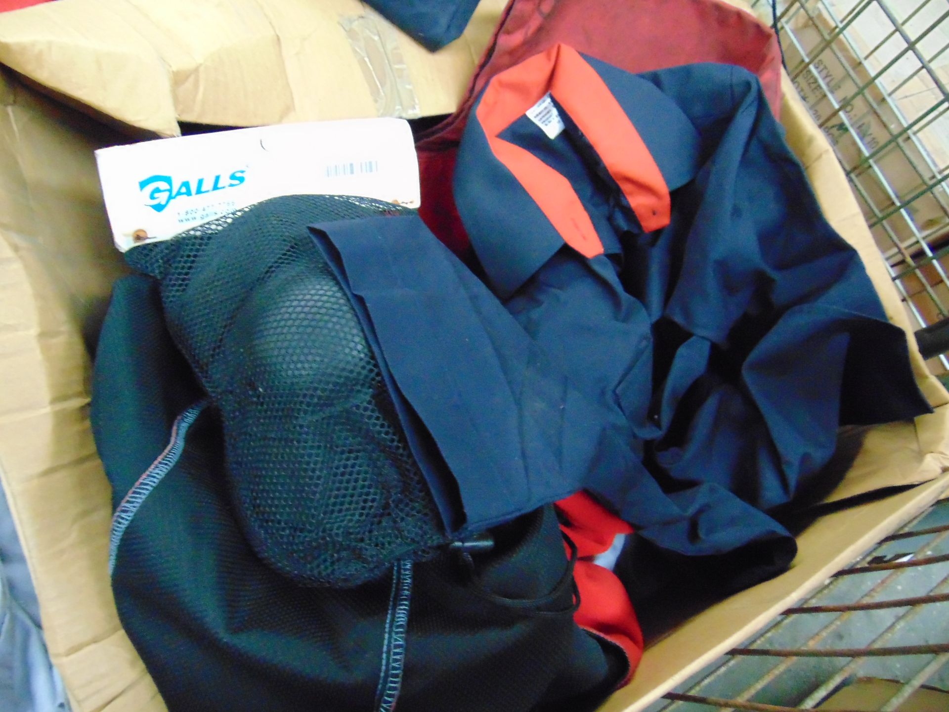 Mixed Clothing including Shirts, T shirts, Trousers, Fleece Jackets, Knee Pads Etc - Image 4 of 4