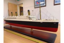 RMS TITANIC HIGHLY DETAILED WOOD SCALE MODEL