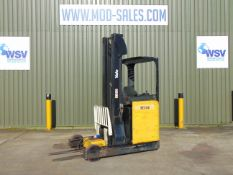 Yale MR16 Electric Reach Fork Lift Truck c/w Battery Charger ONLY 492 HOURS!!!