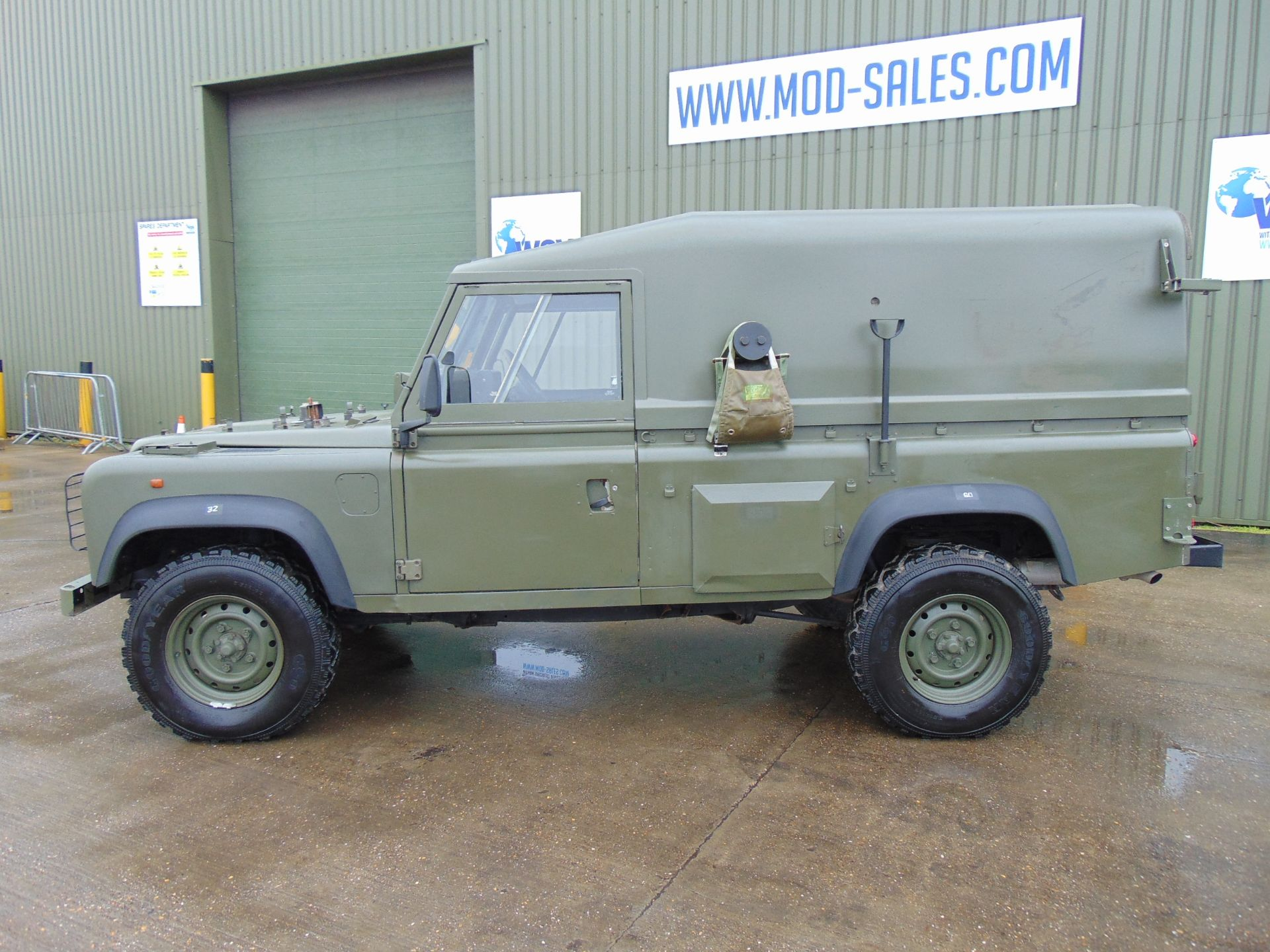 Los 2 - Land Rover Wolf 110 Hard Top