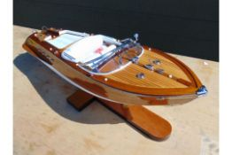 BEAUTIFUL AQUARAMA RIVA RUNABOUT HIGLY DETAILED SCALE MODEL