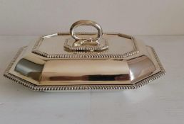 An Edwardian octagonal entree dish and cover with gadroon rim, removable handle by Martin, Hall &