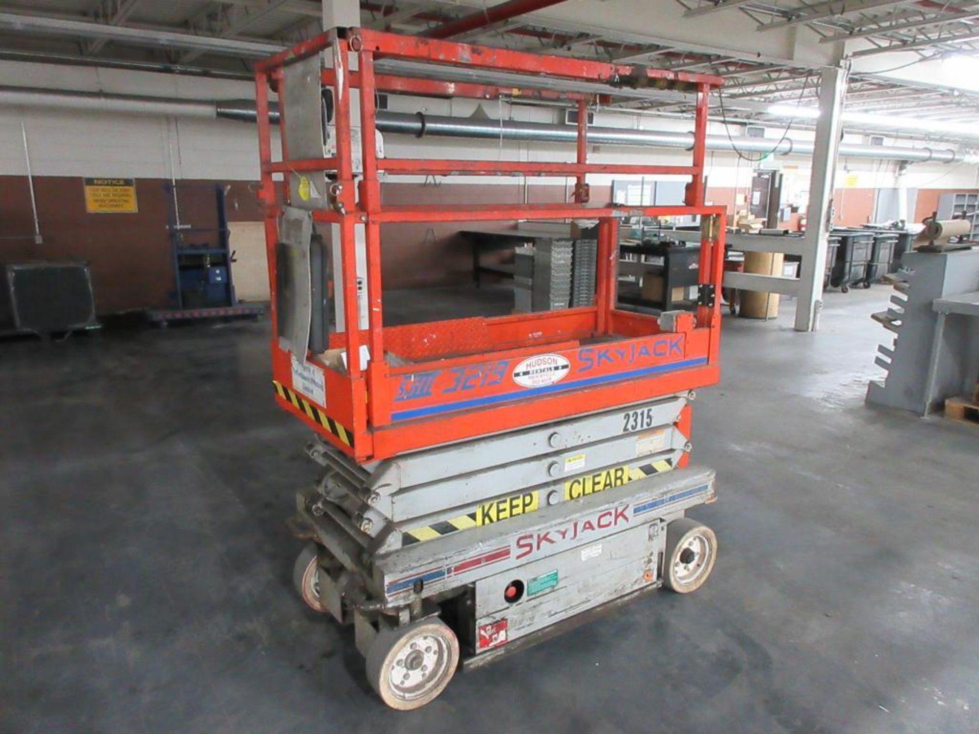 Sky Jack scissor lift model SJIII-3219, 500 lb platform capacity, sn 234112 - Image 2 of 4