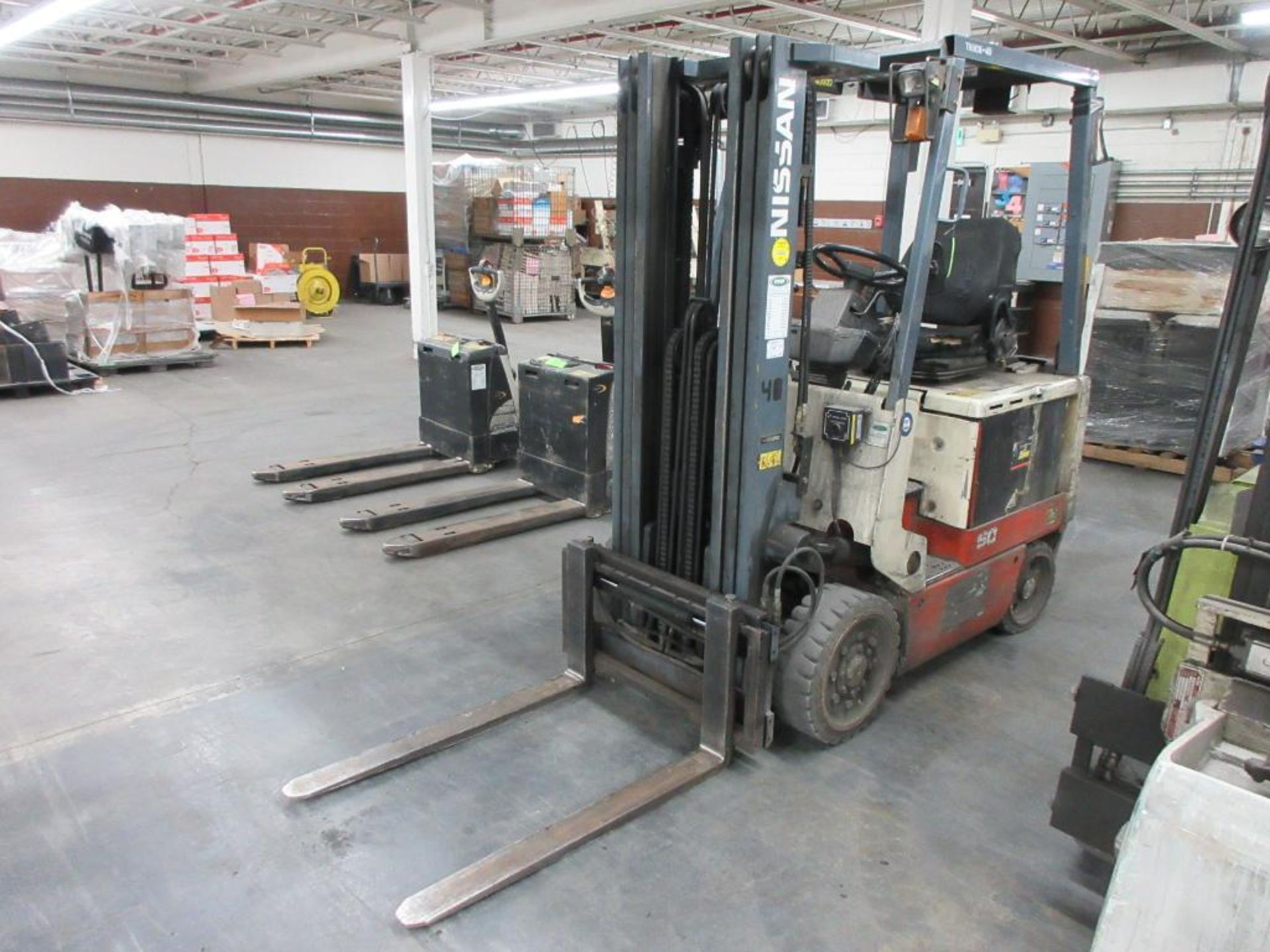 "Nissan 4,400 lb capacity electric forklift model CWP02L25S, 3 stage mast, side shift, 42"" forks, 187"