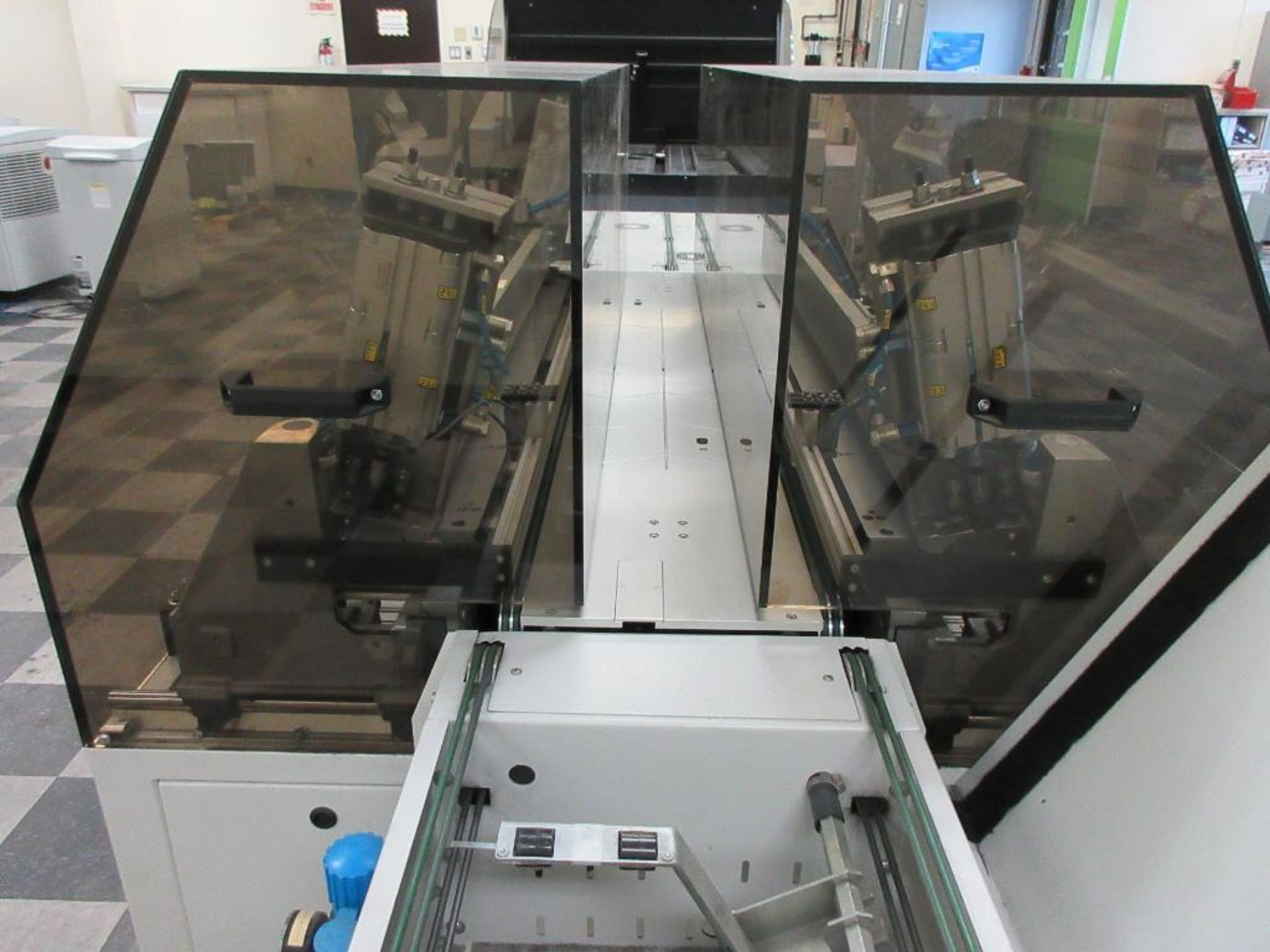 """Nela plate punch / bender model Benchmark 0657-01, 40"""" infeed conveyor, 60"""" bend table, 40"""" outfeed - Image 5 of 6"""