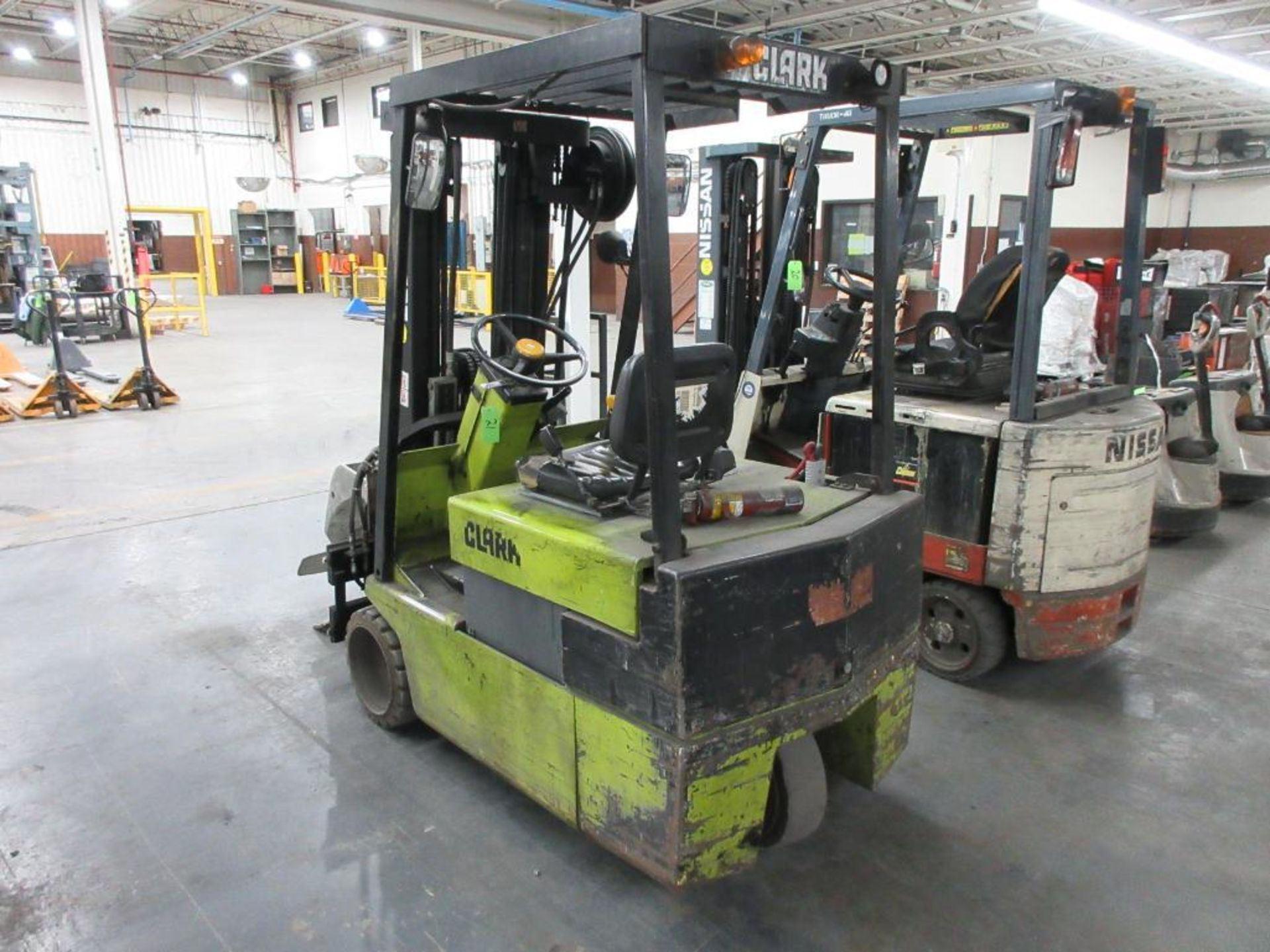 """Clark 4,500 lb capacity, 3 wheel electric clamp forklift, model TM25, 3 stage mast, 186"""" lift height - Image 6 of 10"""