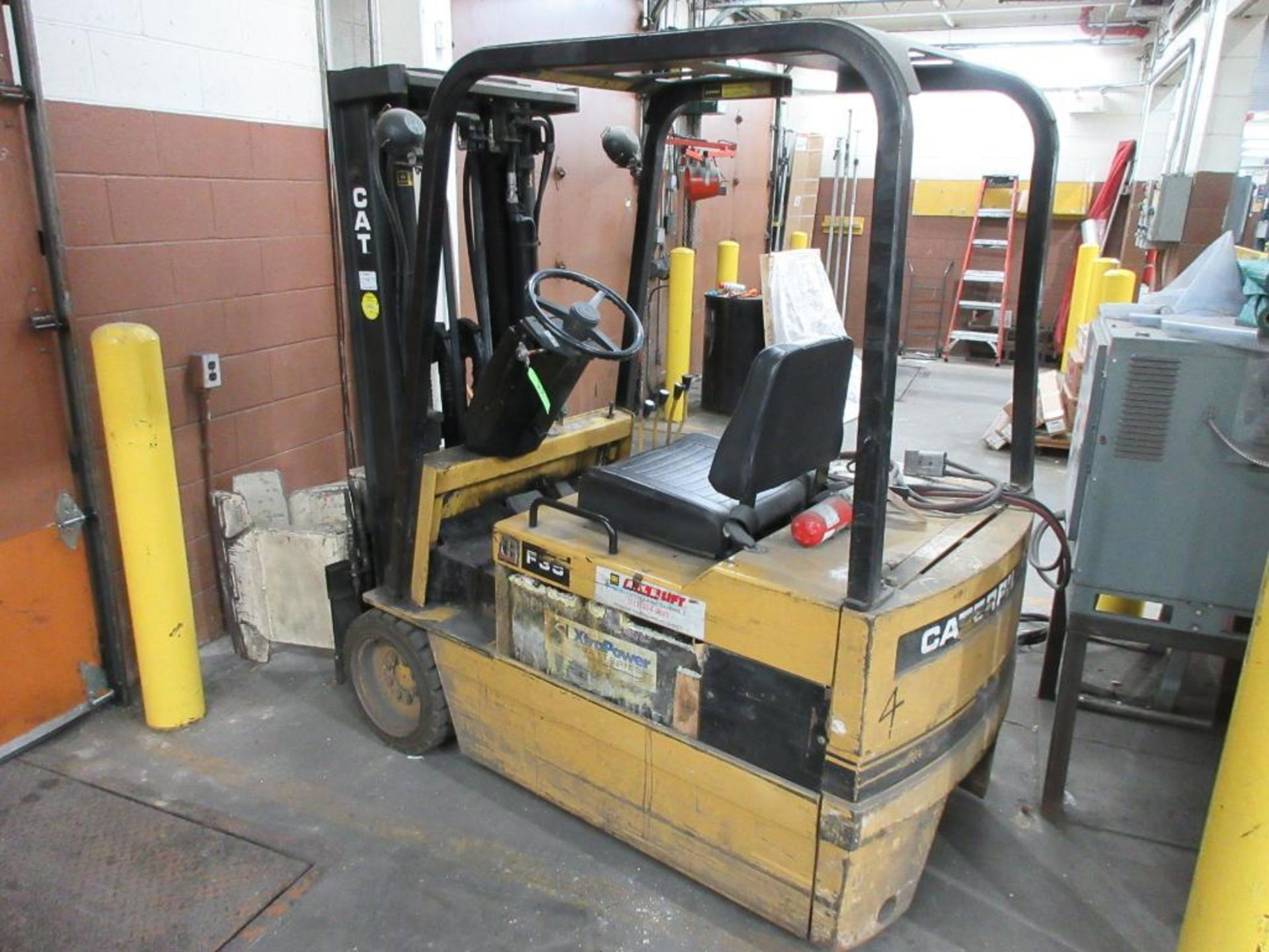 """Caterpillar 3,250 lb capacity, 3 wheel electric clamp forklift, model F35, 3 stage mast, 191"""" lift h"""