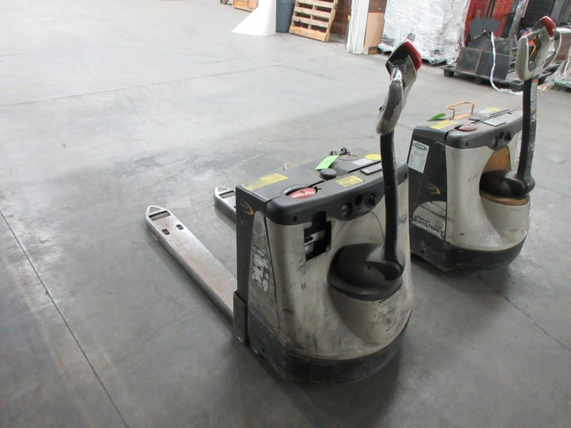 "Crown 4,500 lb capacity electric walkie model WP2335-45, 45"" forks sn 5A367138 - Image 2 of 3"