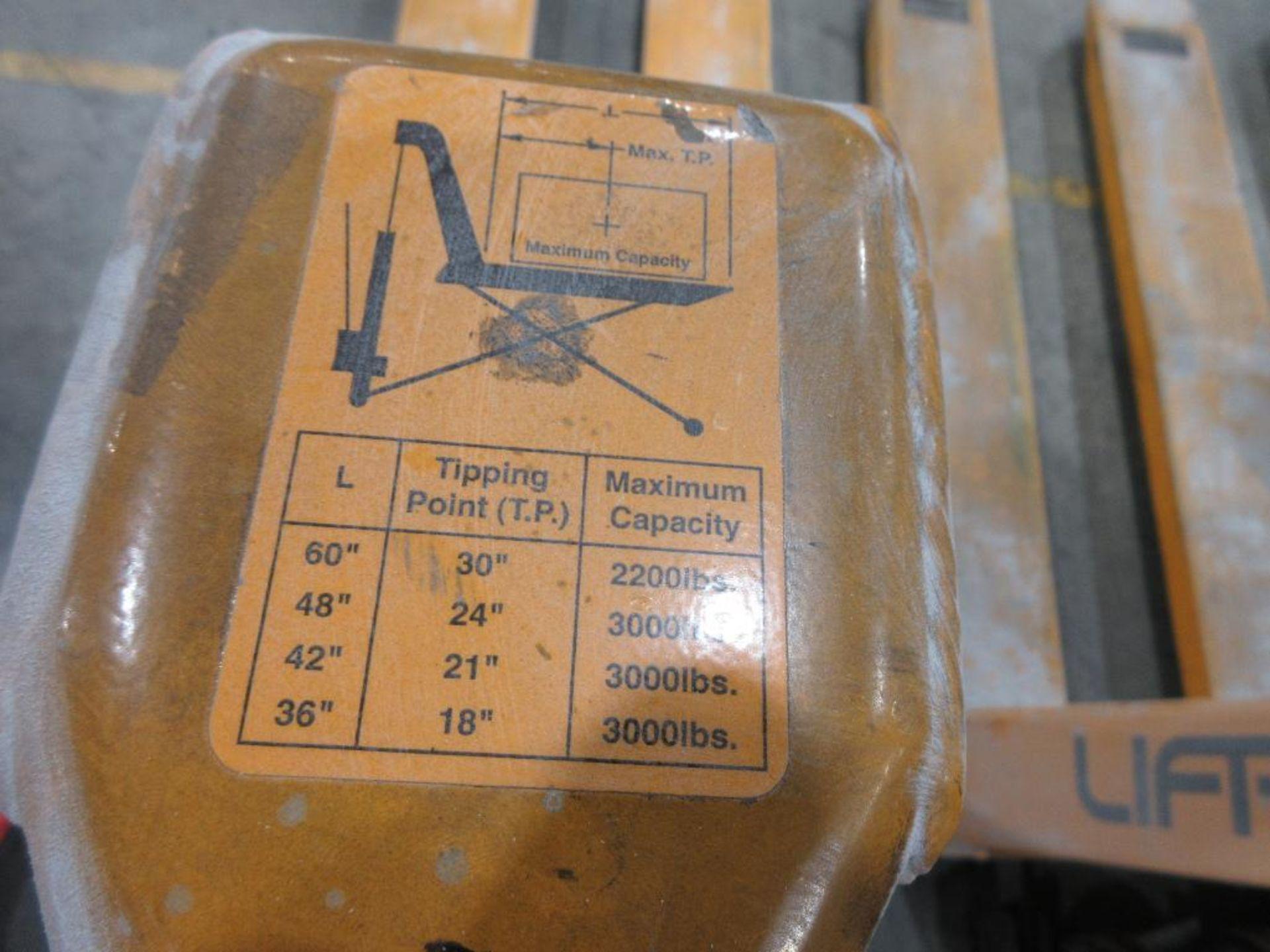 "Lift Rite 3,000 lb capacity pallet jack w 30"" scissor capability, model RG30M205048, 48"" forks - Image 2 of 2"