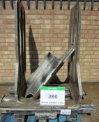 A CASCADE Bale Clamp, 2200Kg capacity at 500mm Centres, Class 2/3 Mounts