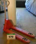 A WARRIOR 2000Kg capacity Narrow Fork Manual Hydraulic Pallet Truck (Use Reserved until 28/09/20)