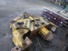 Bradley 25,000 lb Coil Grab