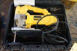 Dewalt Jigsaw w/Case|115V|Lot Tag: 682