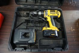 Dewalt Cordless Drill w/Charger and Case|Lot Tag: 313